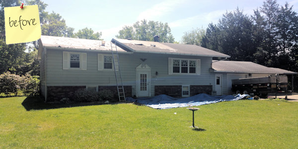 Before picture of an Iowa home sided and roofed by Heartland